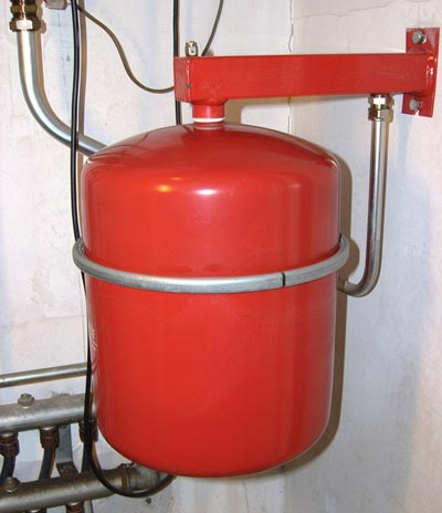 Voorbeeld van een rode expansievat
