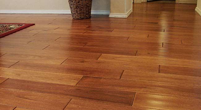 Kan een houten vloer samen met vloerverwarming?
