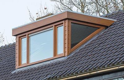 Kunststof kozijnen in dakkapel met glazen zijwang