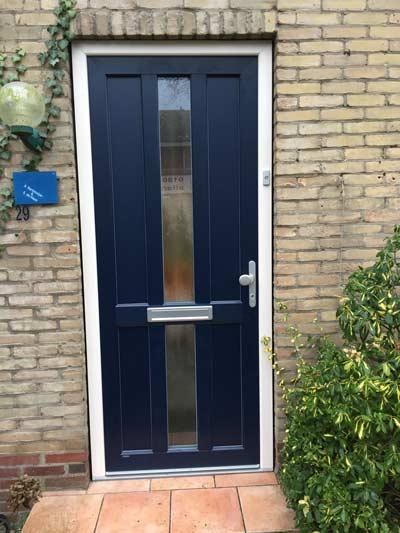 Kunststof voordeur met houtlook