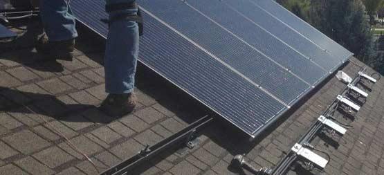 Micro omvormer voor een parallel geschakeld zonnepanelen systeem