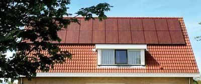 Voorbeeld van rode zonnepanelen