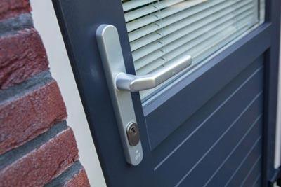 Veiligheid van kunststof achterdeur