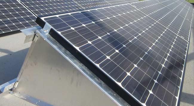 Zonnepanelen voor op een plat dak