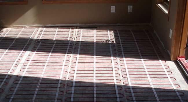 Kun je zonnepanelen gebruiken voor elektrische vloerverwarming?